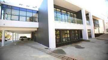 Cube Workspace a leading service office supplier in South Africa has just launched a R40-million, 2 000m2, 36-office property right in the heart of Bryanston, adjacent to the popular Nicolway Shopping Centre.