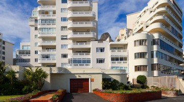 Sea Point apartment sold for R3.36m through PGP (centre building)
