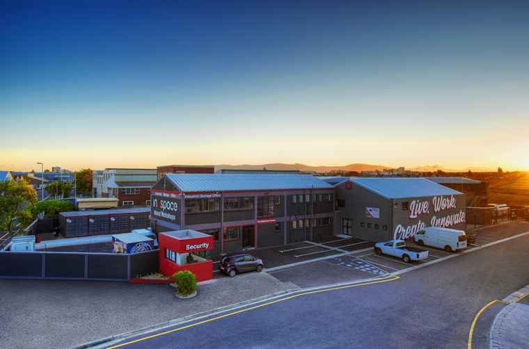 Inospace Island Works is a collection of four buildings offering office, studio, warehousing and workshop space, conveniently located in Paarden Eiland.