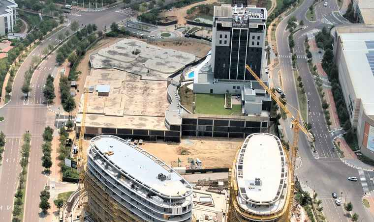 An aerial view of the construction progress of Waterfall Ellipse.