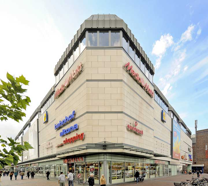 Bahnhof Altona Shopping Centre in Hamburg