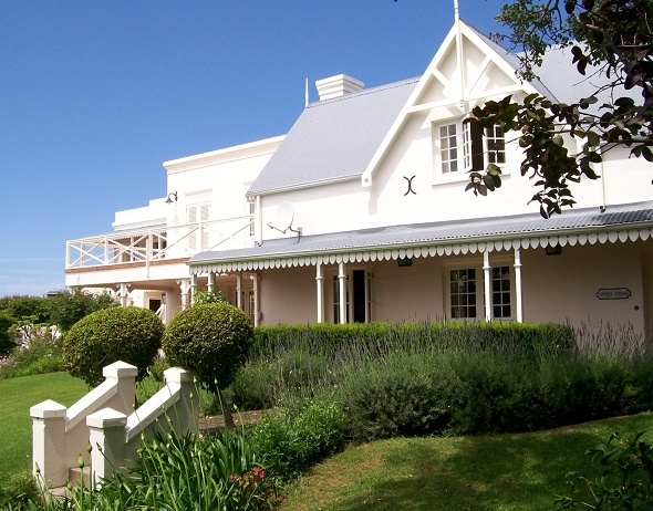 Sold by Pam Golding Properties for R10.5 million, this mansion – originally a rectory, is a reminder of life in years gone by when Plettenberg Bay was just a small fishing village.  The timeless architecture has been restored to its original grand style while the addition to the side of the house complements the Cape Georgian design perfectly, providing spacious entertainment areas. With five en suite bedrooms and situated within walking distance of town, the property has superb views over the bay.