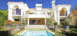 This Sandton cluster is on the market for R9.5 million.