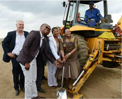 Ground-breaking ceremony. From left to right:  Des Hughes (Basil Read Developments Managing Director); Councillor Bongani Boloyi  (Midvaal Executive Mayor), Councillor Simon Maphalla (Sedibeng Mayoral Committee) ; Councillor ML Modikeng (Midvaal Ward)  ; Nomvula Mokonyane (Premier of Gauteng Province)