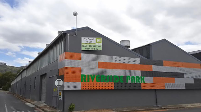 This modern factory comprising 1203sqm in Riverside Industrial Park, Paarl was sold to Eco-Green in a sales transaction concluded by JHI Properties.